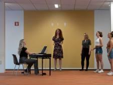 Geen Helmondse Musical, wel luchtig muziektheater over de coronatijd: 'Maar het gaat over een ontsnapte leeuw, niet over corona'
