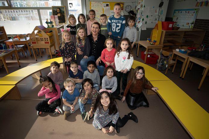 Ineke Paijens neemt na 46 jaar afscheid als leerkracht. Ze werkte 45 jaar op De Hobbitstee in Eindhoven.