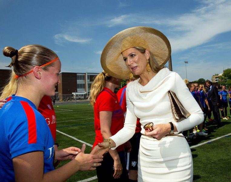 Hoog bezoek voor de Nederlandse vrouwen in Toronto, waar ze zich voorbereiden op hun WK. Beeld PHOTO_NEWS