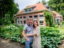 Pim en Nicole wonen in zijn oude school in Lonneker: 'Kijk, hier zat Pimmetje vroeger'