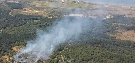 Grote duinbrand Heemskerk: Chinook vliegbasis Gilze-Rijen ingezet bij bestrijding