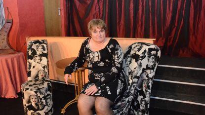 """Jeannine Van de Vyvere staat vijftig jaar op de planken: """"Mijn monologen leer ik tijdens het strijken"""""""