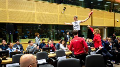 Klimaatconferentie met premier Michel en prins Albert van Monaco verstoord door betogers