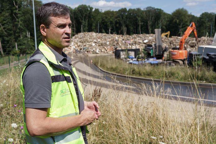 Sascha Hurtenbach van het afvalverwerkingscentrum in Niederzissen.