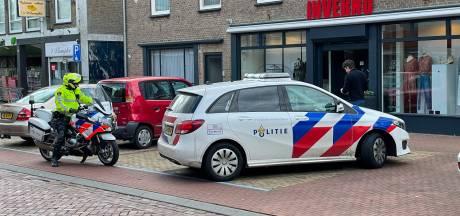 Tweetal overvalt kledingzaak Inverno in Someren binnen een minuut, verdachten spoorloos