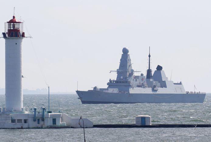 Het Britse schip HMS Defender vorige week bij Odessa, Oekraïne.