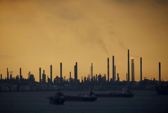De raffinaderij van Shell op het eiland Pulau Bukom.
