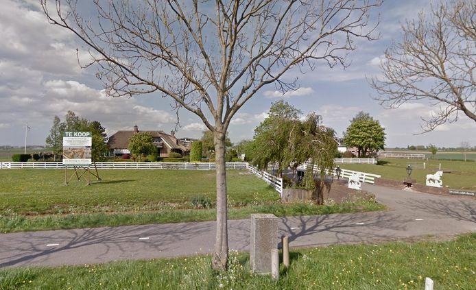 Op dit adres in Woubrugge komen naar verluidt meer dan 100 arbeidsmigranten te wonen.