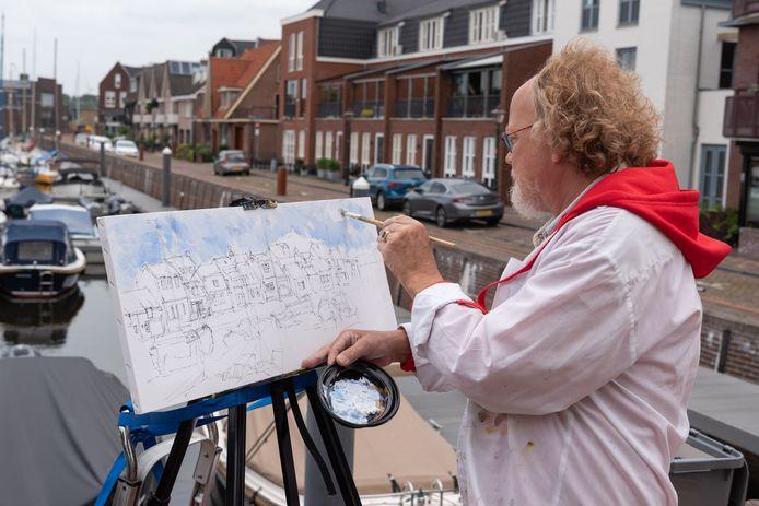 Jaap Venema aan het werk in de haven van Spakenburg