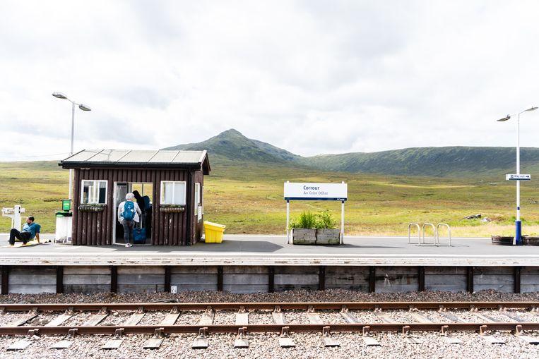 Het stationnetje van Corrour. Beeld Katja Poelwijk