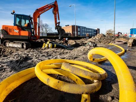 Werk aan Burgemeester Elsenweg vertraagd, kabels en leidingen frustreren verbreding