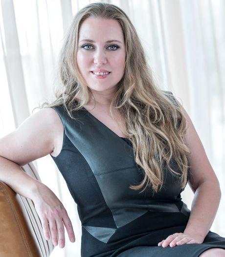Marike (37) runt al vijftien jaar een escortservice: 'Zakelijke afspraken deden we in een lobby'