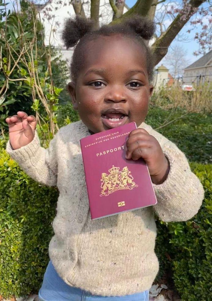 Teleza (1,5) in Rijsbergen met haar nieuwe paspoort