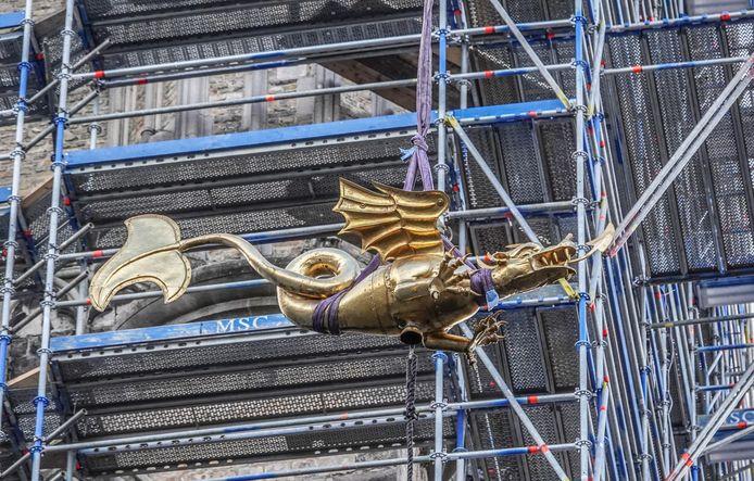 De draak van Ieper waakt al sinds de 14de eeuw over de stad.