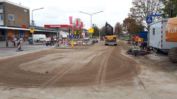 De Thorbeckelaan in Sliedrechth is opgebroken voor de aanleg van een warmtenet.