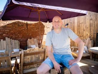 """Voormalig vrachtwagenchauffeur Steven tovert café De Welkom in Schriek om tot café Den Uyl: """"Ik was het op de baan zijn beu"""""""