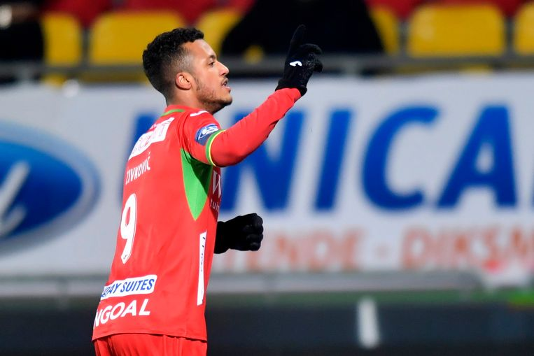 Toen zag het er nog goed uit voor KV Oostende: Richairo Zivkovic opent.