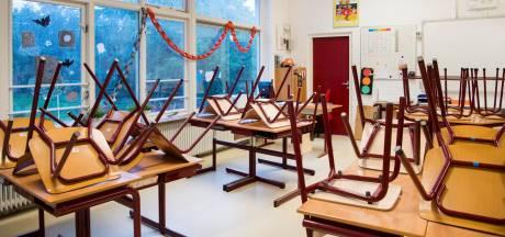 Is het terecht dat de docent weer het werk neerlegt?
