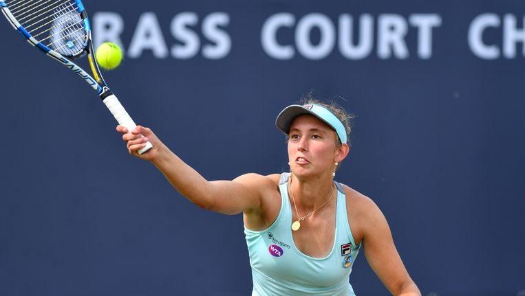 Elise Mertens knokte zich met 3-6, 6-0 en 6-1 voorbij de Bulgaarse Sesil Karatantcheva (WTA 220) Beeld BELGA