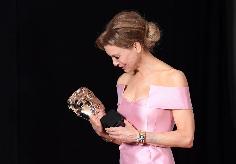 Renee Zellweger met de award voor beste actrice. Beeld WireImage