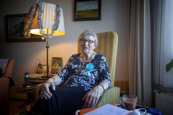 Mevrouw Buunk-Mulder is 100 jaar geworden. Foto Jurriaan Balke