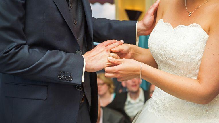 Amsterdammers kunnen nu ook kiezen voor een eenvoudig of budgethuwelijk. Beeld anp