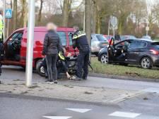 Jongen gewond na aanrijding tussen scooter en auto in Kampen