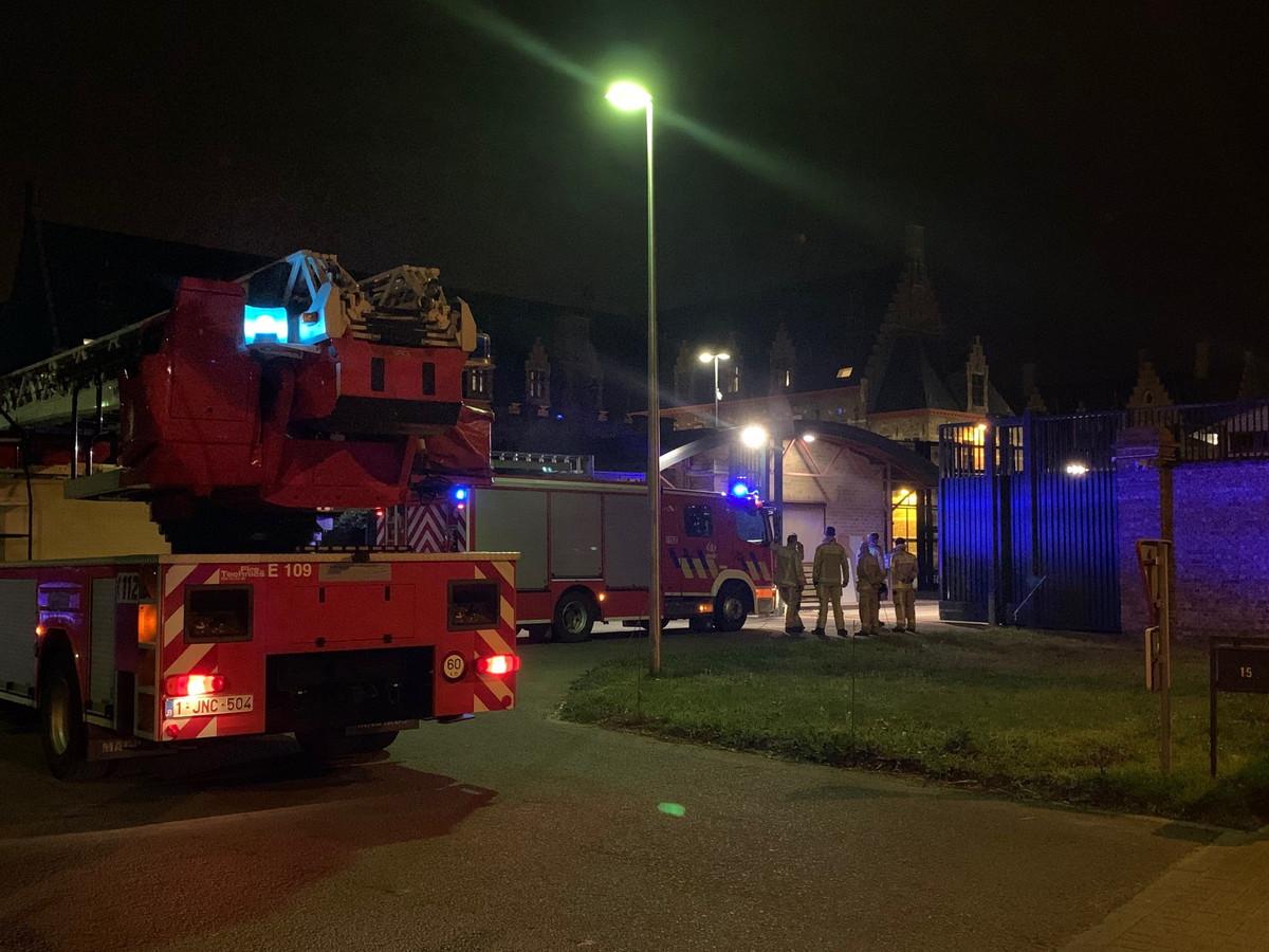 De brandweer deed een inspectie in de Zandstraat, maar van een echte brand bleek geen sprake.