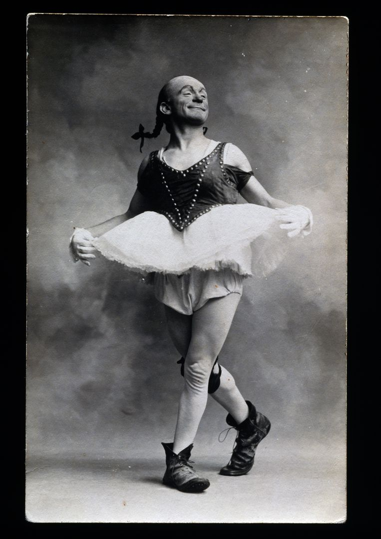 Antieke clownerie, postkaart uit de 20ste eeuw.  Beeld De Agostini via Getty Images