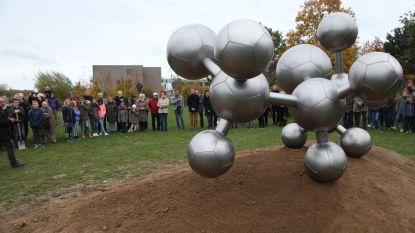 Mosterdgasmolecule is symbool voor gruwel