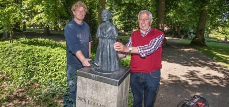 Mejuffrouw Frederika is na ruim een jaar terug op haar sokkel in Hengelo