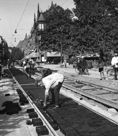 Houten straatstenen tussen de tramrails zorgden vroeger voor stúkken minder verkeerslawaai