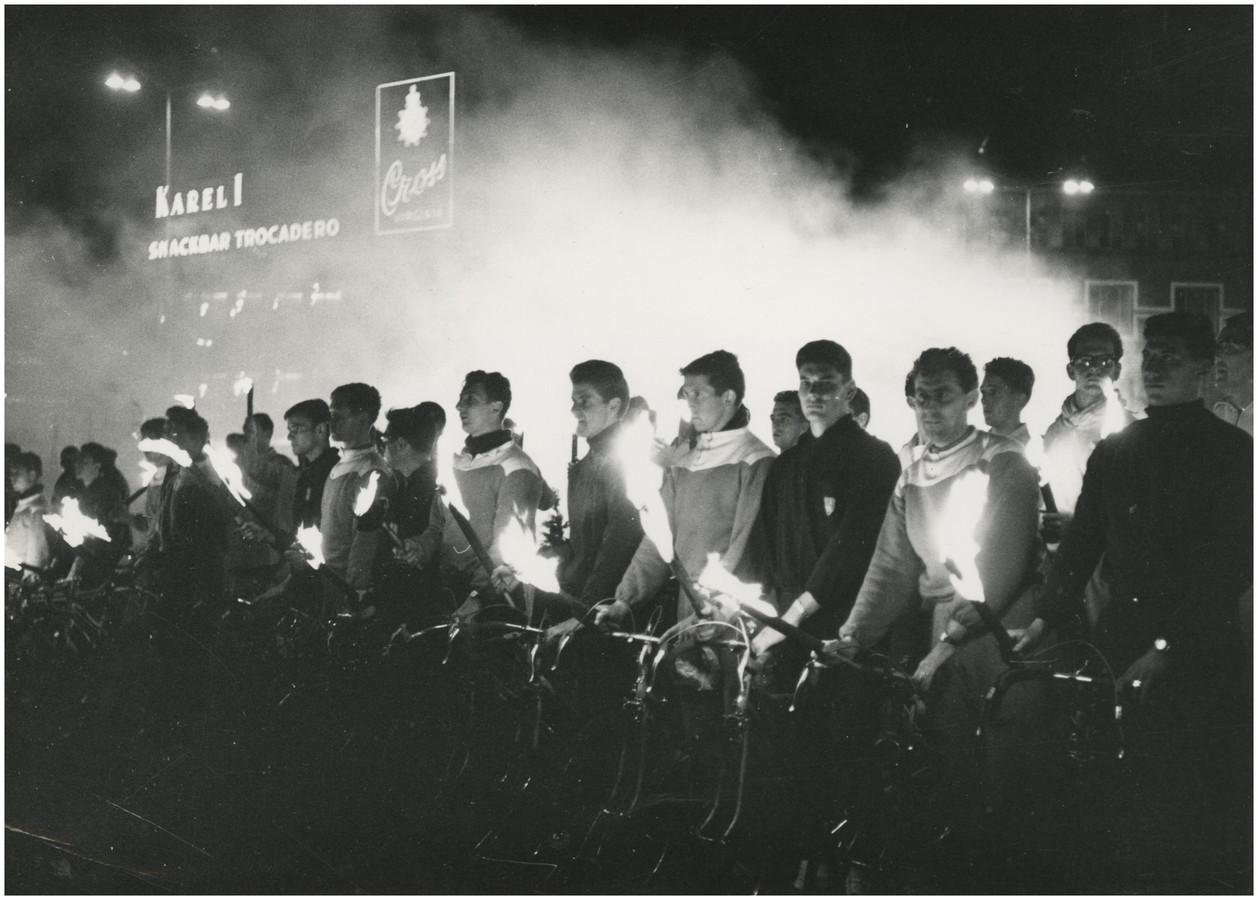 De aankomst van het bevrijdingsvuur in Eindhoven vanuit Bayeux in 1962
