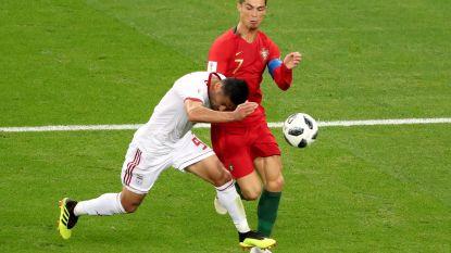 """Bondscoach Iran razend: """"In de reglementen staat toch niet: wat als Ronaldo of Messi een elleboog uitdeelt?"""""""