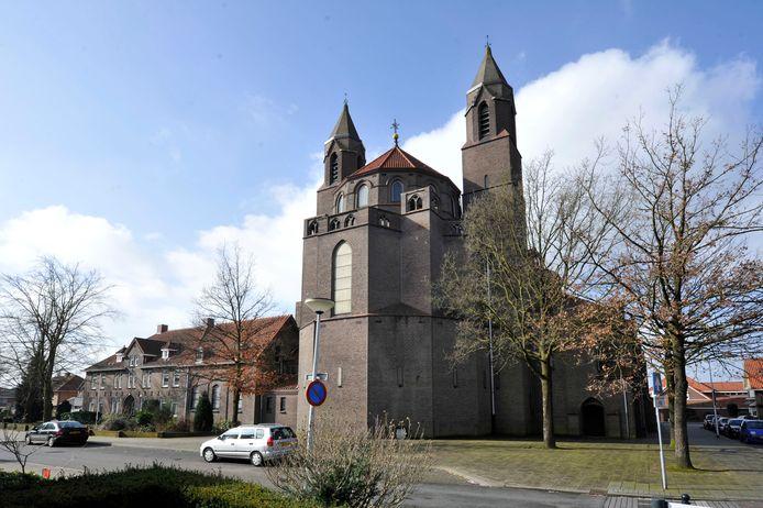 Het bisdom Utrecht is akkoord gegaan met de aanvraag van het bestuur van de Plechelmusparochie om de Drieëenheidkerk aan de eredienst te onttrekken.