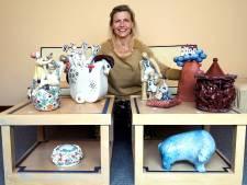 Deze tweehonderd keramiek kunstwerken van Carry (83) gaan in de verkoop voor het goede doel