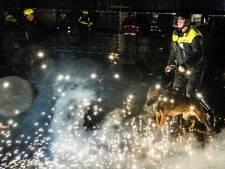 Vuurwerk gooien naar agent is gelijk aan poging tot doodslag