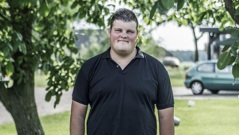 Corné Jansen is 19 jaar en weegt 142 kilo. Hij heeft een fixatie op eten en is nooit verzadigd. Hoe dat komt, vertelt zijn moeder onderaan dit artikel. Beeld Adrie Mouthaan