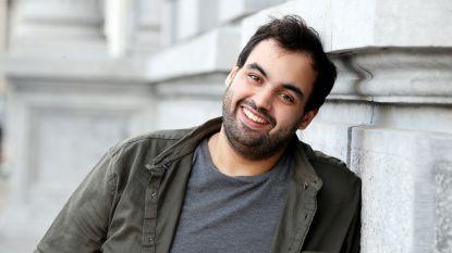 """Comedian Kamal Kharmach krijgt zijn gewicht maar niet onder controle: """"Ik ben te dik om mijn dochter in slaap te wiegen"""""""