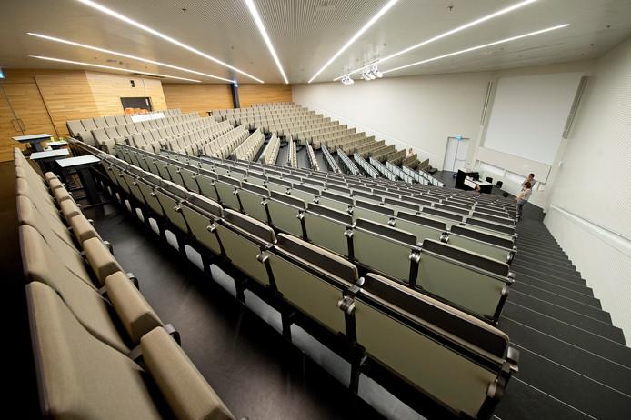 De grootste collegezaal op de campus: 478 zitplaatsen in het Grotiusgebouw.
