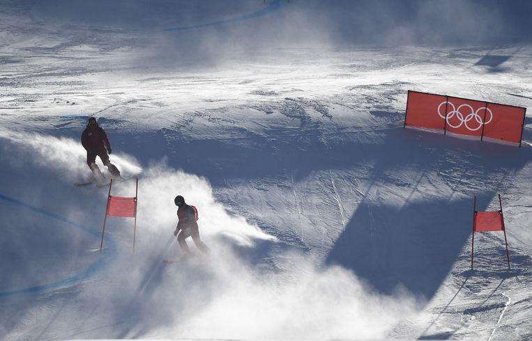"""Hevige sneeuwval en wind teisterden diverse disciplines in Pyeonchang. De Ruiter: """"Korea kent maar twaalf sneeuwdagen per jaar. Twee daarvan hebben we vorige week gehad. Maar wat er valt, waait meteen weer weg."""