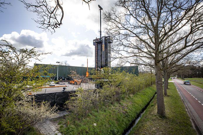 De opruimtoren van de NAM is al eerder ingezet in De Lutte, de installatie wordt binnenkort ook op twee locaties in Tubbergen geplaatst.