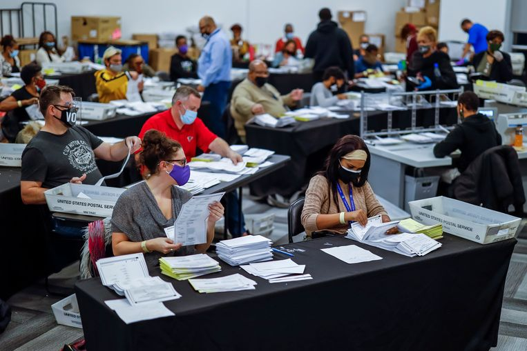 Stemmentelling in Georgia.  Beeld EPA