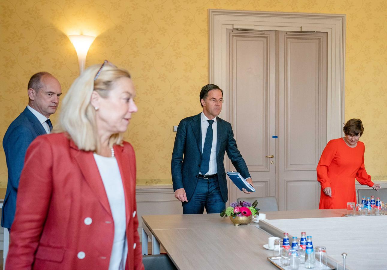 Informateur Mariëtte Hamer ontving eerder al Segers (ChristenUnie), Kaag (D66), Rutte (VVD) Ploumen (PvdA), Klaver (Groenlinks), Hoekstra (CDA) en Marijnissen (SP).