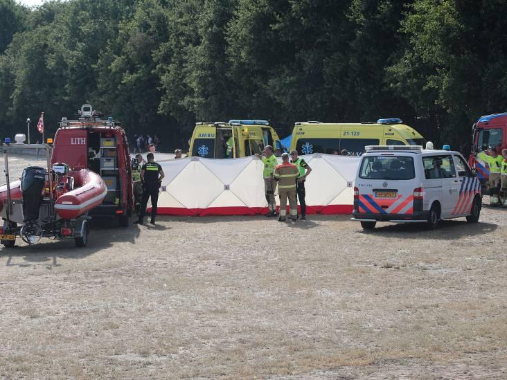 Traumahelikopter geland bij Geffense plas in Oss voor jonge vrouw die omsloeg met luchtbed