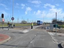 Duitse schept met haar truck bromfietser: slachtoffer had hersenletsel en breuken en is inmiddels overleden