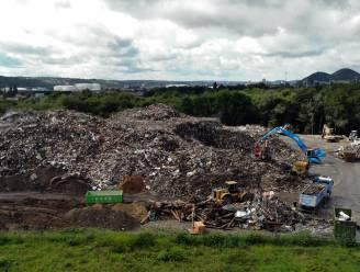 Opruimen van 160.000 ton afval na overstromingen in Luik van start gegaan