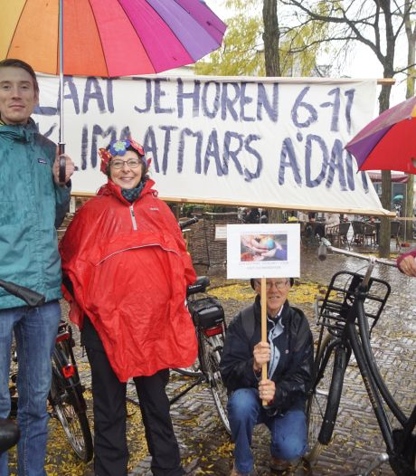 Amersfoortse activisten vragen aandacht voor klimaatmars in Amsterdam