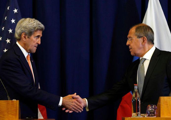 John Kerry et son homologue russe Sergueï Lavrov