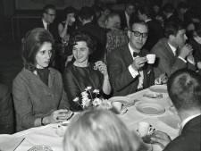 Wie had in 1963 de beste verhalen op de reünie van het St. Catharinalyceum in Eindhoven?